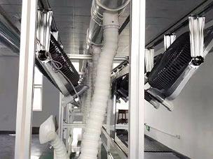 双边工作台装配流水线侧面